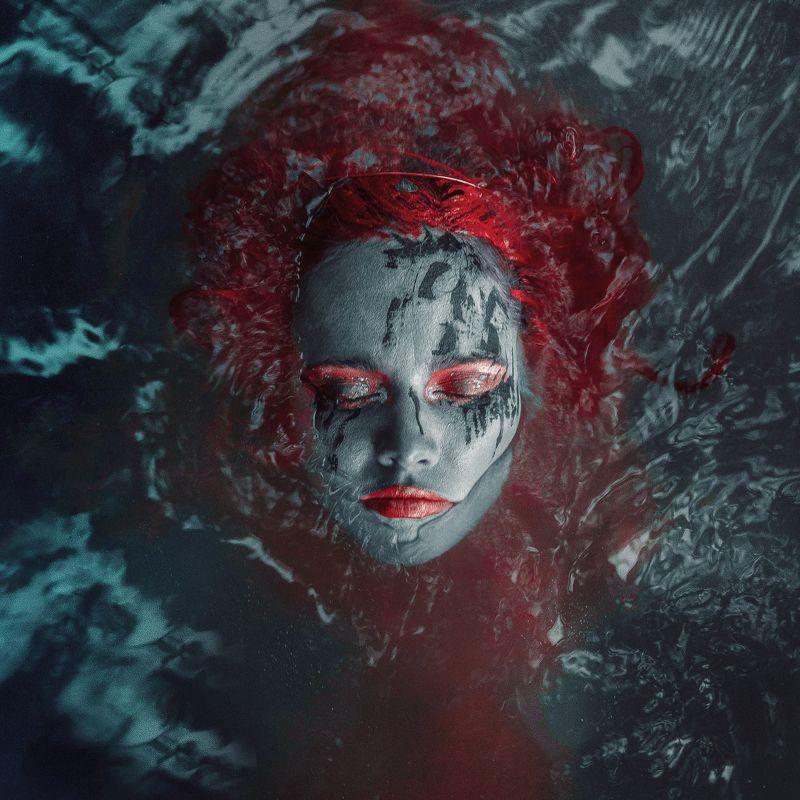 girl, face, portrait, water, skin, hair, red, red, silence, victim, russia, девушка, лицо, портрет, вода, кожа, волосы, рыжая, красный, тишина, жертва, россия Ritualphoto preview