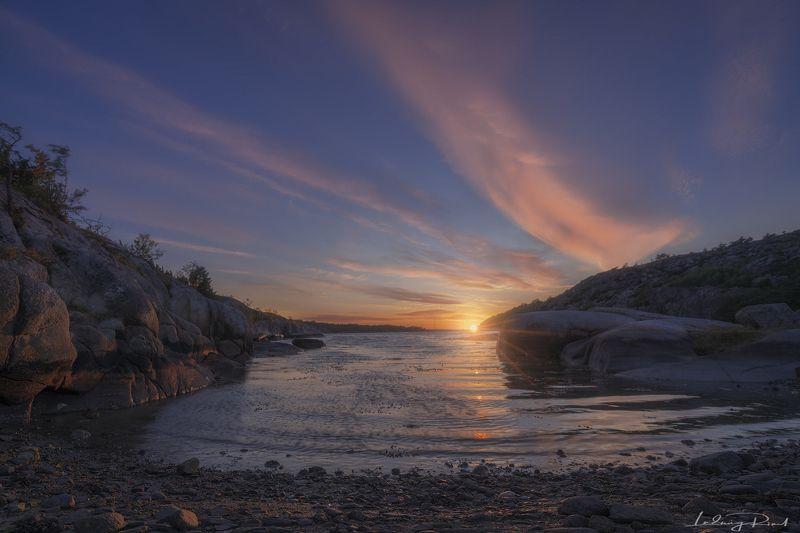 bay, beach, bight, bushes, cloud, coast, coastline, coil, cove, flexion, fold, gulf, orange, pink, reflections, rocks, rocky coast, rocky coastline, scandinavia, scandinavian light, sea, seaside, selläter, stony beach, strömstad, sunrays, sunset, sunstar, First Glimpse at Seläterphoto preview
