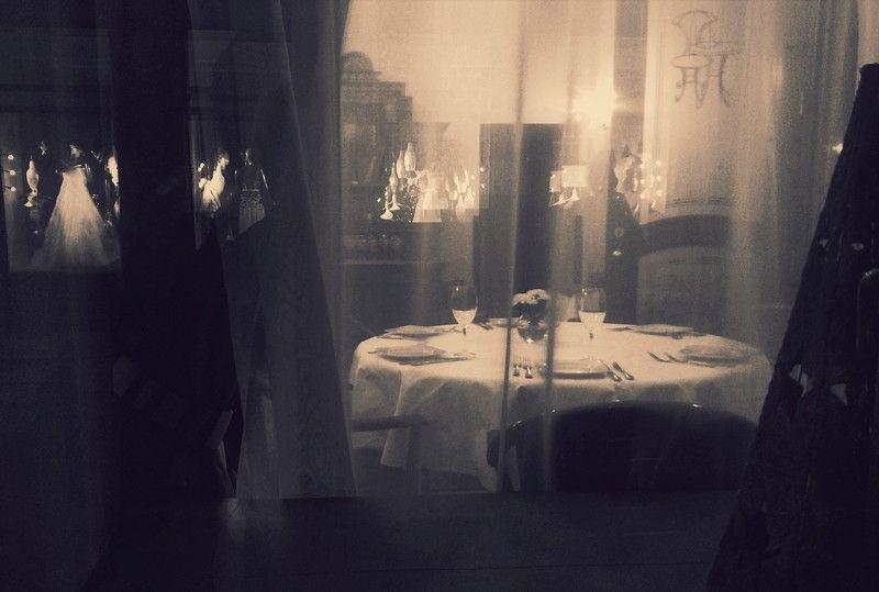 вечер, ужин, ресторан, настроение, отражение в стекле, свадебный салон, Время ужина пришло...It\'s time for dinner ...photo preview