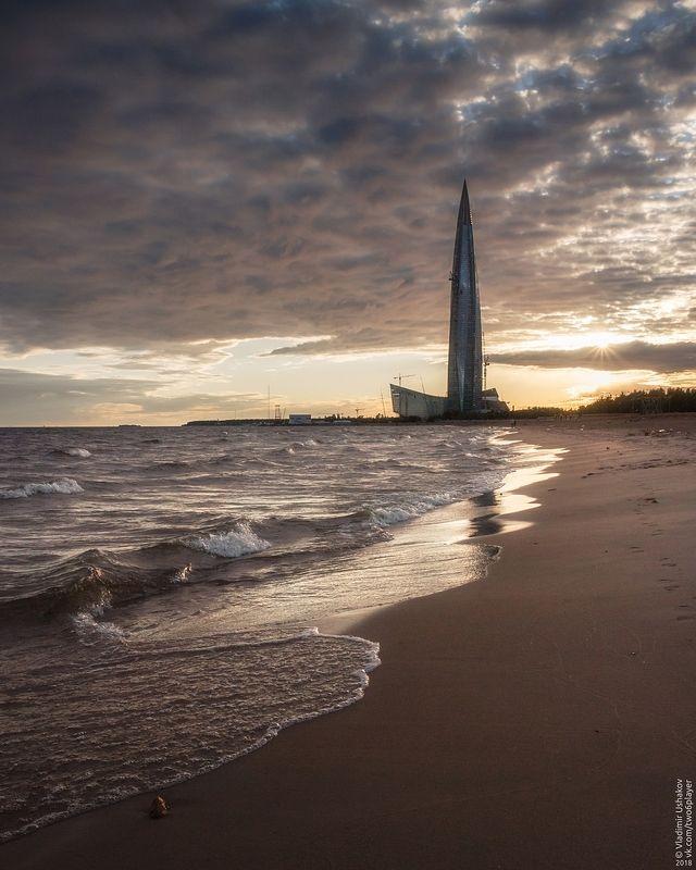 вечер, берег, пляж, волны, финский залив, лахта центр, санкт-петербург На берегу Финского заливаphoto preview