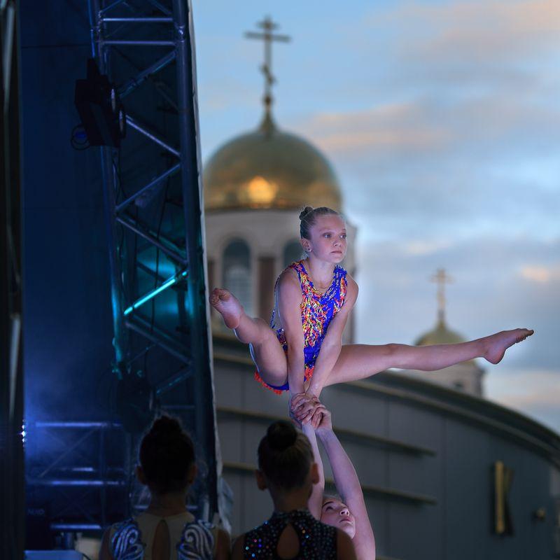 поддержка, выступление школы олимпийского резерва, день города, екатеринбург 295 лет Поддержка.photo preview