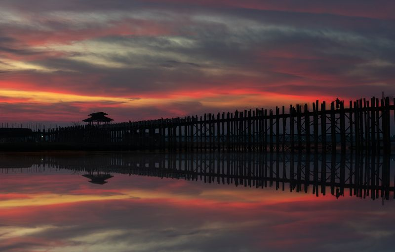 u-bein,travel,бирмаб,путешествие,восход,отражение,мьянмаБ Точка красного...photo preview