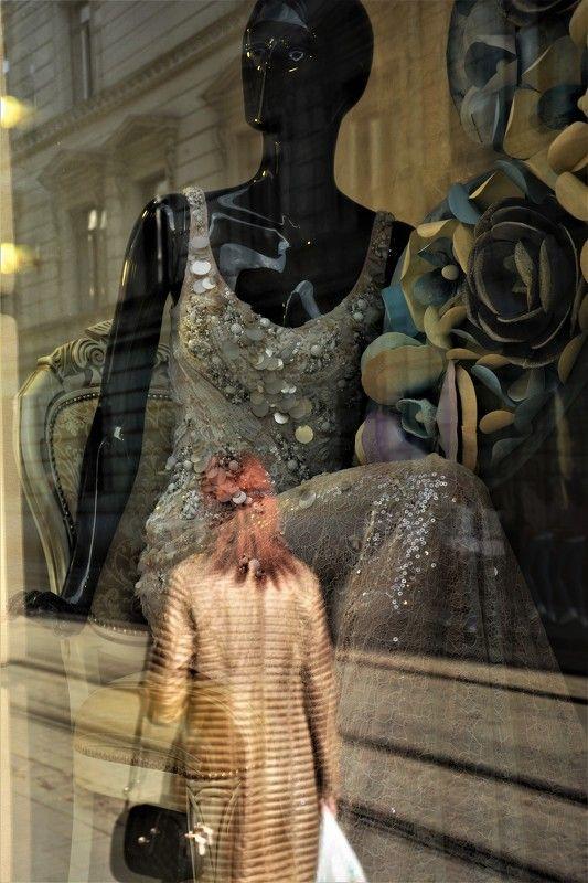 улица, настроение, магазин, платье, золушка, витрина, ателье, жанр Платье для Золушки...Dress for Cinderellaphoto preview