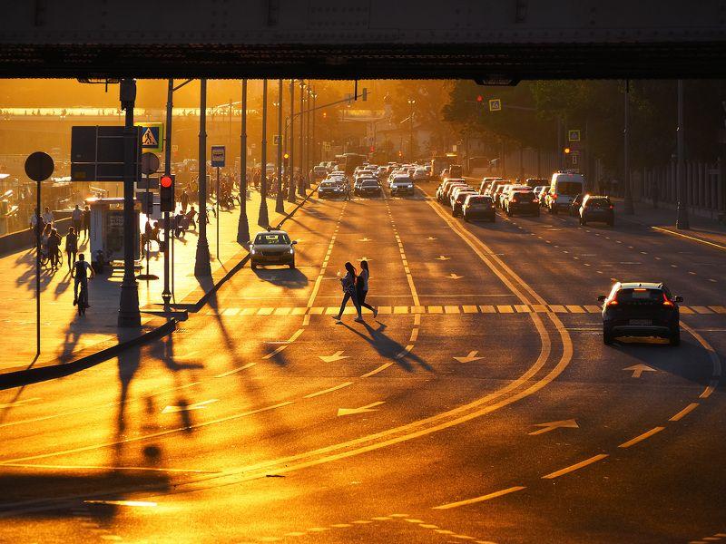 #юрийклимовфотограф #klimofoto #olympus_russia #стрит #street Московская закатная, прогулочная.photo preview