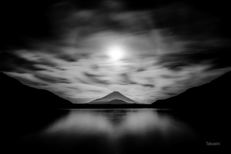 Fuji,Japan,mountain,clouds,lake,reflection,sun,halo,fantastic,phantom,amazing Phantomphoto preview