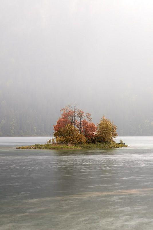 остров. озеро, туман Островокphoto preview