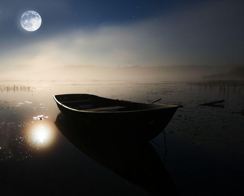ночь,луна,лодочка А ночь действительно была необыкновенно хороша.photo preview