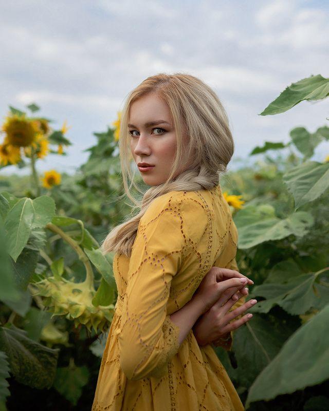 girl, девушка, портретная съемка, портрет, глаза, headshot, фэшн, beauty, beautiful, 35mm, sigma, sigma art, art portrait, cute, hair, face Sunflower fieldphoto preview