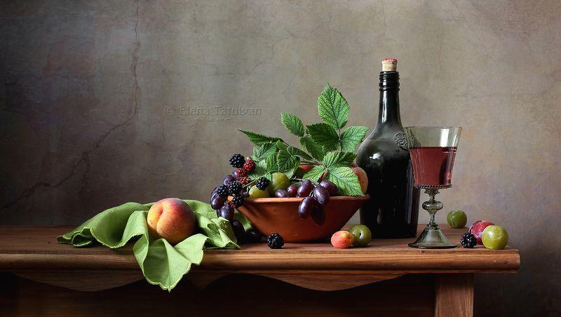 вино, бокал, фрукты, ягоды, лето, лесное стекло Домашнее виноphoto preview