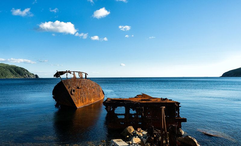 Он гавань тихую нашел свою photo preview