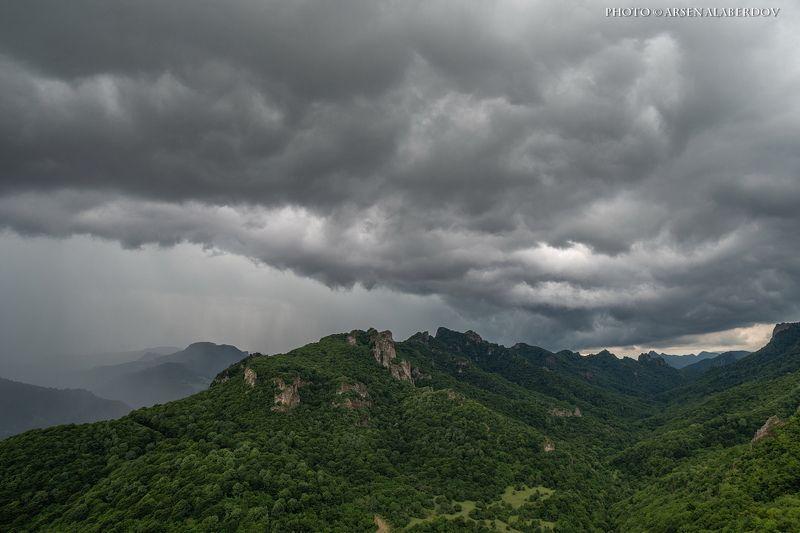 долина, утро, вечер, карачаево-черкесия, кавказ, простор, закат, дымка, туман, горы, хребет, гроза, дождь, тучи НЕБО ХМУРИТСЯphoto preview
