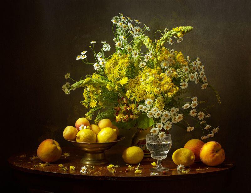 still-life flowers bouquet, натюрморт, цветы, букет, фрукты Жёлтый Натюрмортphoto preview