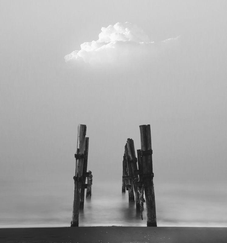 minimal bnw black and white sea sky Far Awayphoto preview