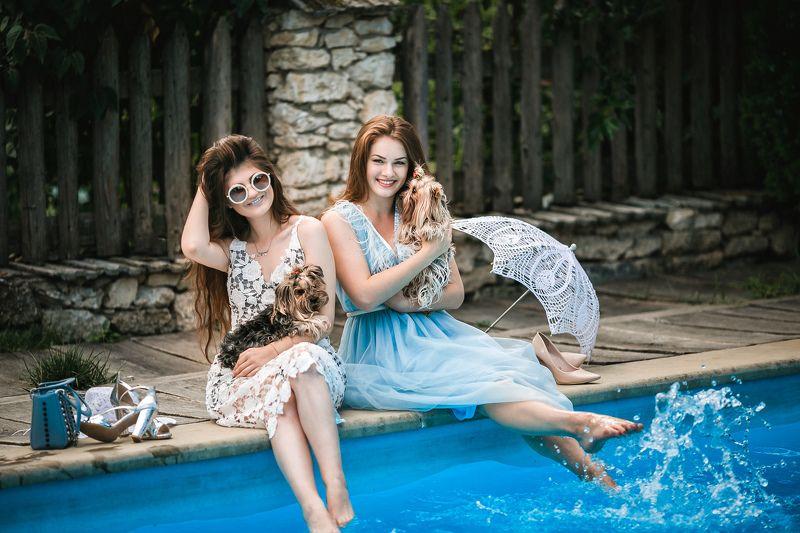 дамы, модели, девушки, собачки, лето, вода, жара, счастье, красота, радость, фотосессия Дамы с собачками photo preview
