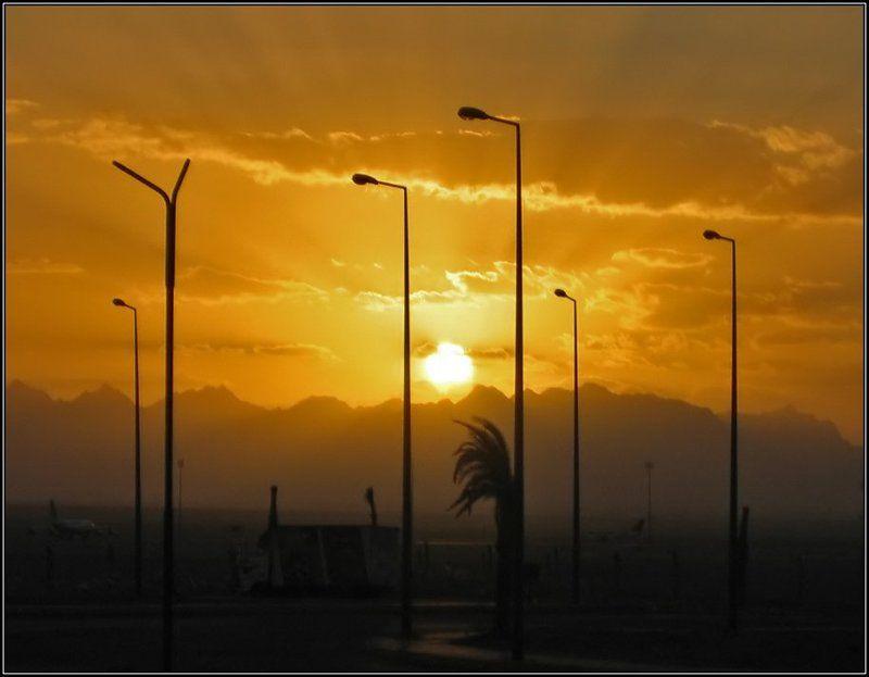 закат, силуэты, лучи солнца, облака, фонари Провожая солнце...photo preview