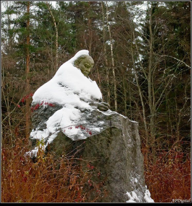 ленин в лесу Тепло ль тебе, дедушка?photo preview