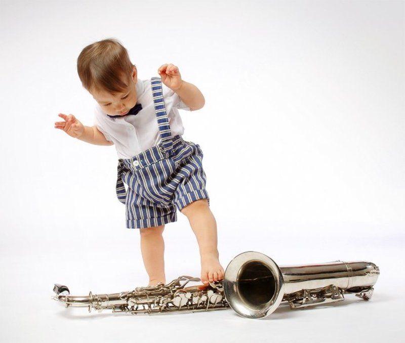 митя, ребенок, саксофон, музыка Первые, робкие шаги в музыкеphoto preview