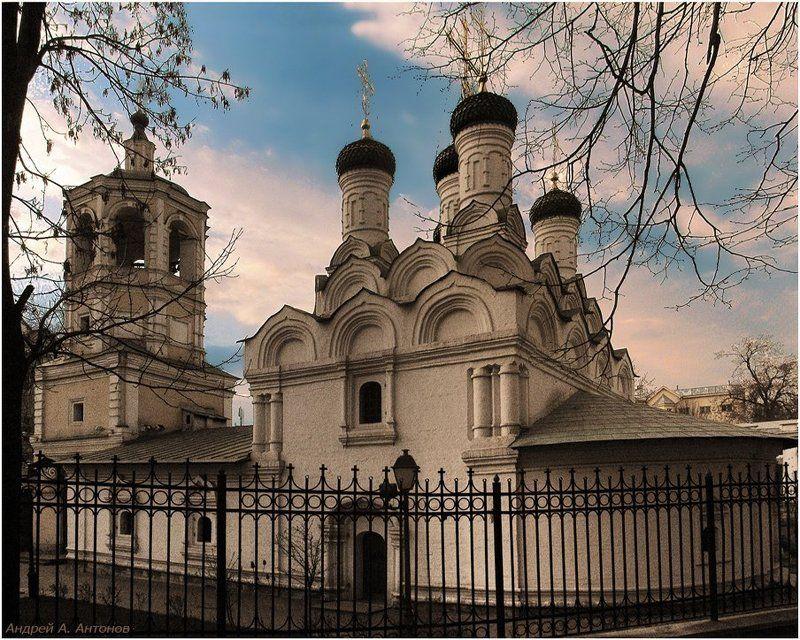 храм, успения, богодицы, в путинках, москва Храм Успения Богодицы в Путинках.photo preview