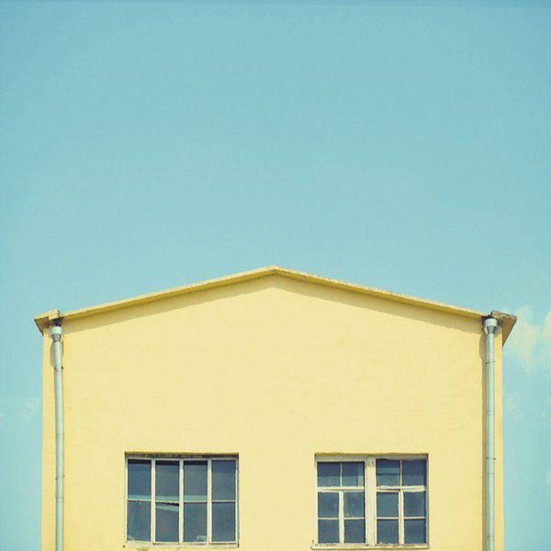 самолет, дорога, здание, лето, небо, геометрия, люди, улица, город photo preview