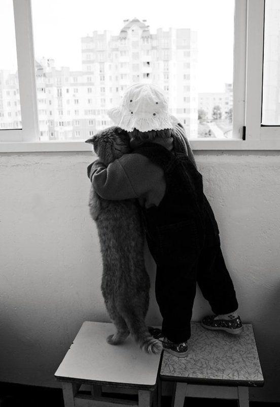 кот, ребенок, балкон photo preview