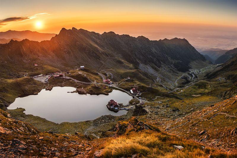 mountains, romania, sunset, sun, summer, lake, balea lac, carpathians, karpaty, gory, light, colors, Transfagarasanphoto preview