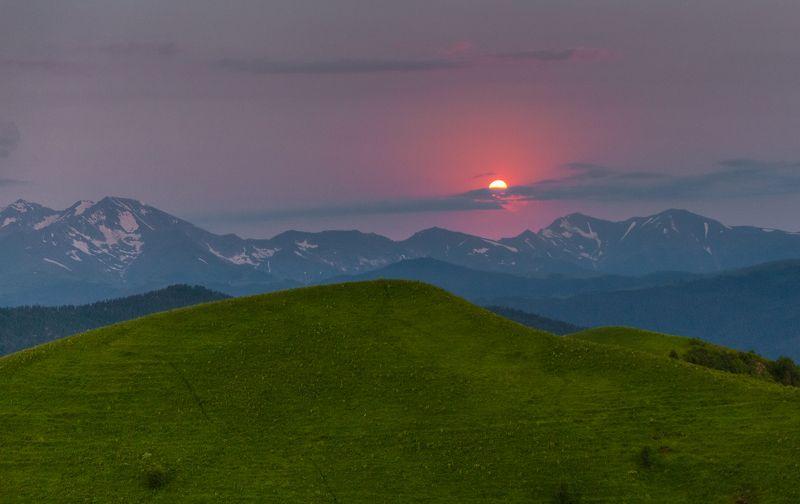 западный кавказ ачешбочье луна рассвет июнь Закат луны на рассветеphoto preview