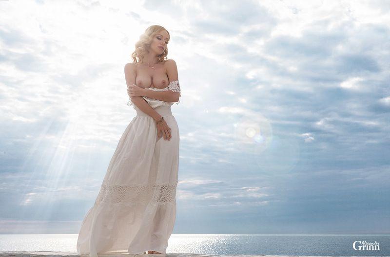 ню, модель, фото, море, блондинка Venusphoto preview