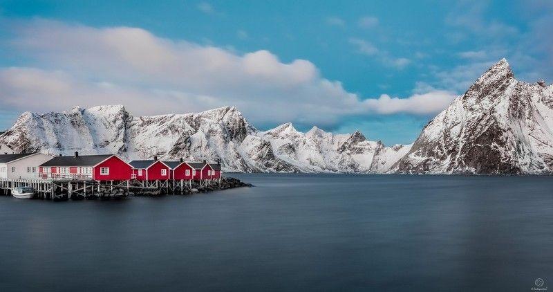 горы, домики, штиль Минимализм в скандинавском стиле / Norway / Lofotenphoto preview