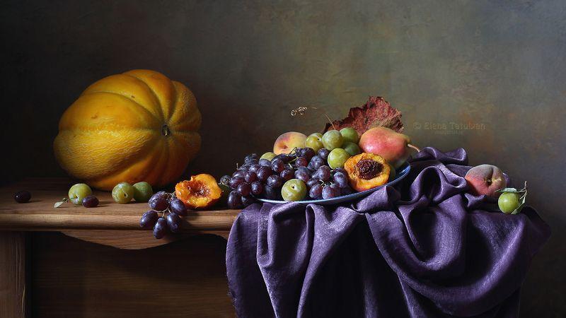дыня, лето, фрукты, виноград, сливы, персики Дыня и фруктыphoto preview