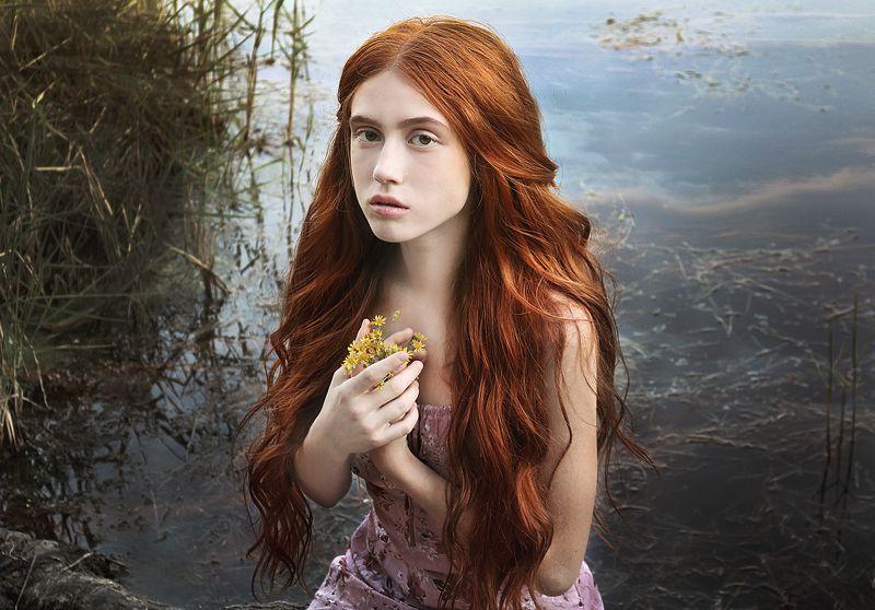 girl,model,redhair,beautiful,vintage,summer,femininity,female,romantic,mermaid Loreleiphoto preview