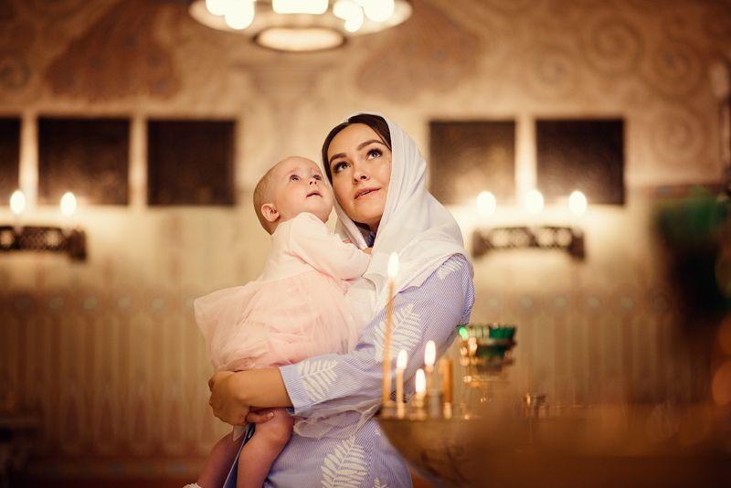 крещение, фотограф на крещение спб, таинство крещения, фотограф спб, таинство, дети, ребенок, малыш, девочка, таинство крещения, крещение ребенка, церковь, храм, крестины Крещение Ариныphoto preview