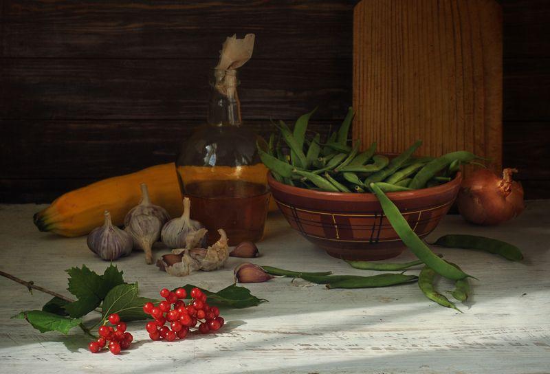 фасоль, калина, лук, чеснок, натюрморт ***photo preview