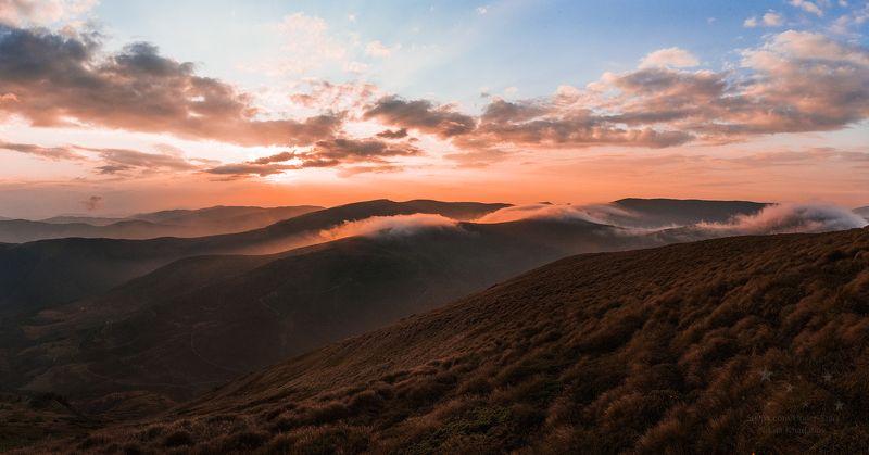 драгобрат, горы, карпаты, солнце, облака, склоны, трава, зарево, золотые часы Золотые часыphoto preview