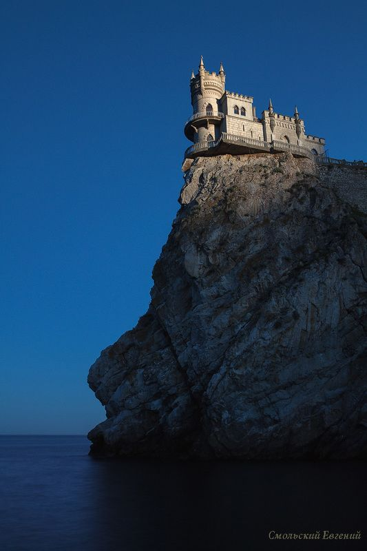 крым, ласточкино гнездо, замок, гаспра, закат, море, скала, вечер, утес Замок на утесеphoto preview