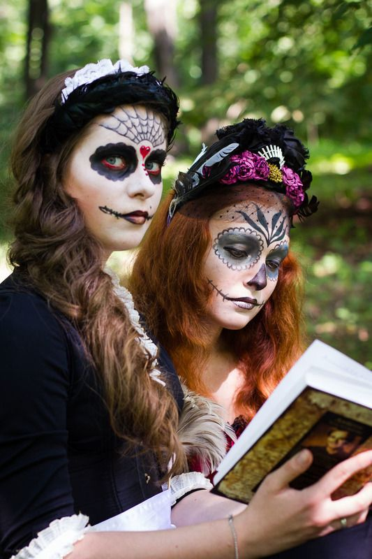 девушка, фейсарт, книга, санте муэрте Книгаphoto preview