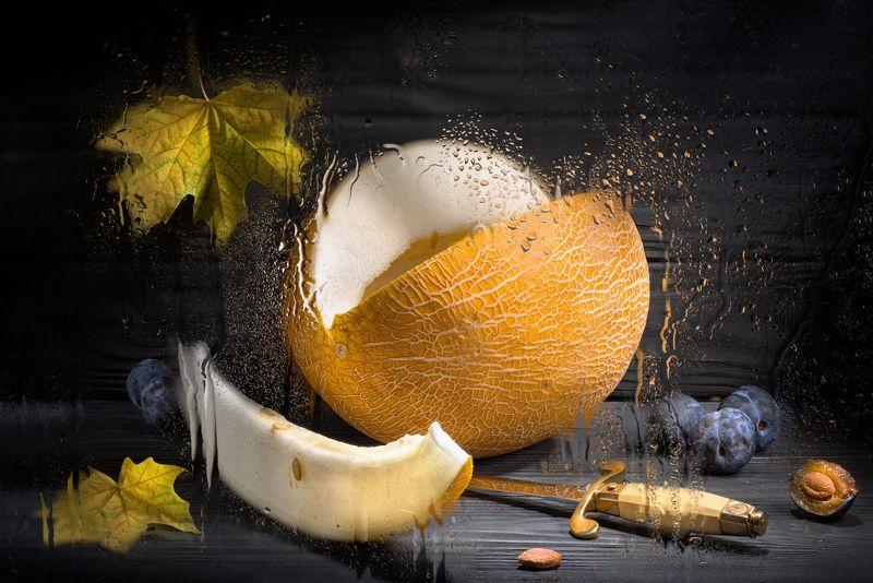 дыня, настроение, осень, листва, клён, сплин, слива, кортик, натюрморт Осеннееphoto preview