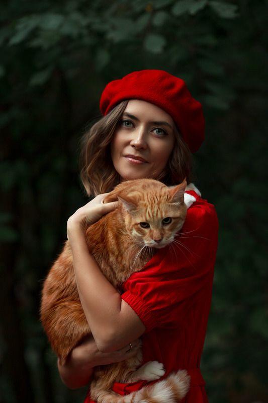 #autumn #cat #portrait #woman Little Red-Riding-Hoodphoto preview