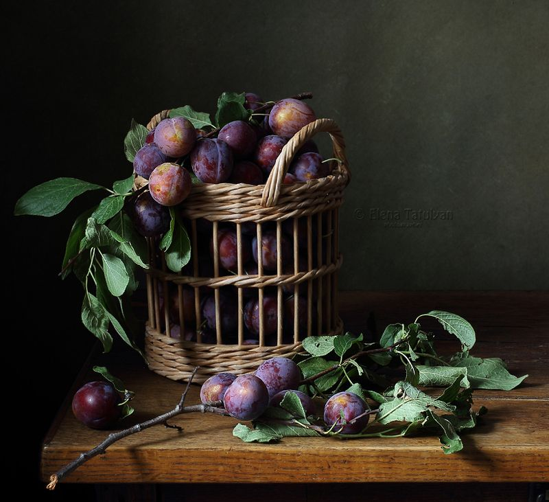 корзина, сливы, кухня Со сливамиphoto preview