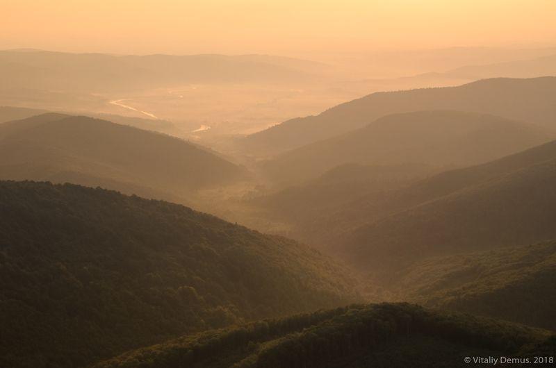 Утренняя многотональность. Карпаты. г. Параска (г. Парашка)photo preview