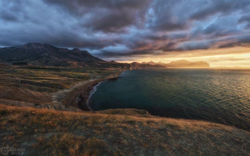 Хмурый черноморский рассвет...photo preview