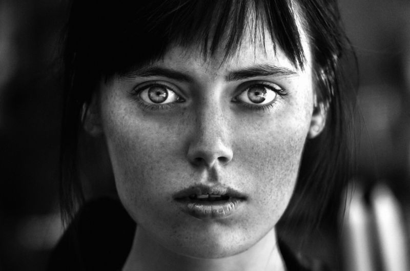 girl, portrait, bw, woman, emotions, eyes, face, photo, moscow, people, light Взглядphoto preview