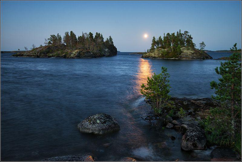 карелия, ладожское озеро, вечер, луна, дорожка, острова *  *  *photo preview