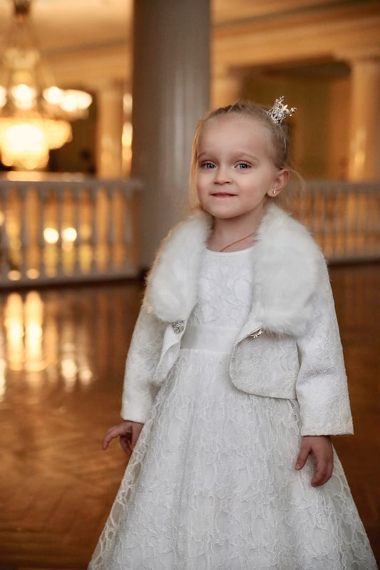 Детство, ребёнок, семья, праздник, утренник, платье, childhood, child, family, party, dress, color, indoor Королеваphoto preview