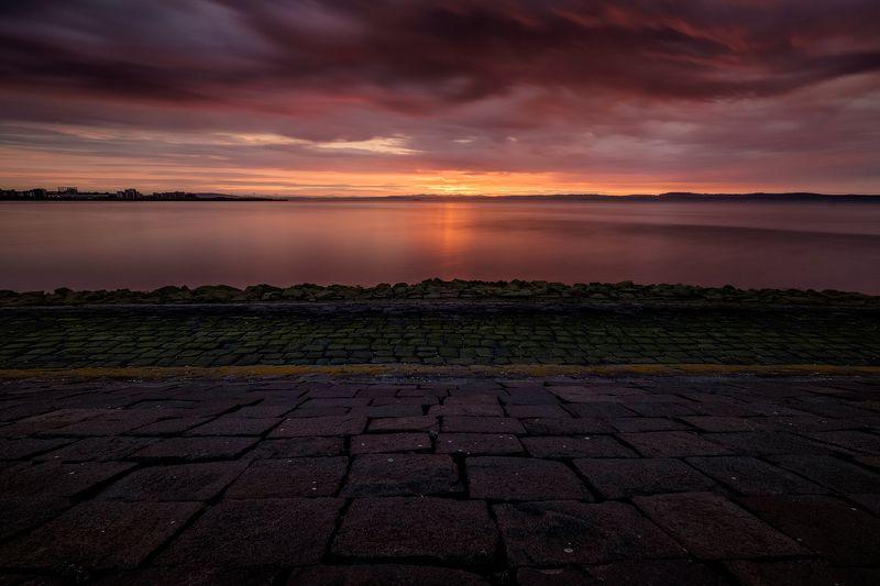 закат, Эдинбург, Шотландия, море, пейзаж Красочный закат на набережной Эдинбургаphoto preview
