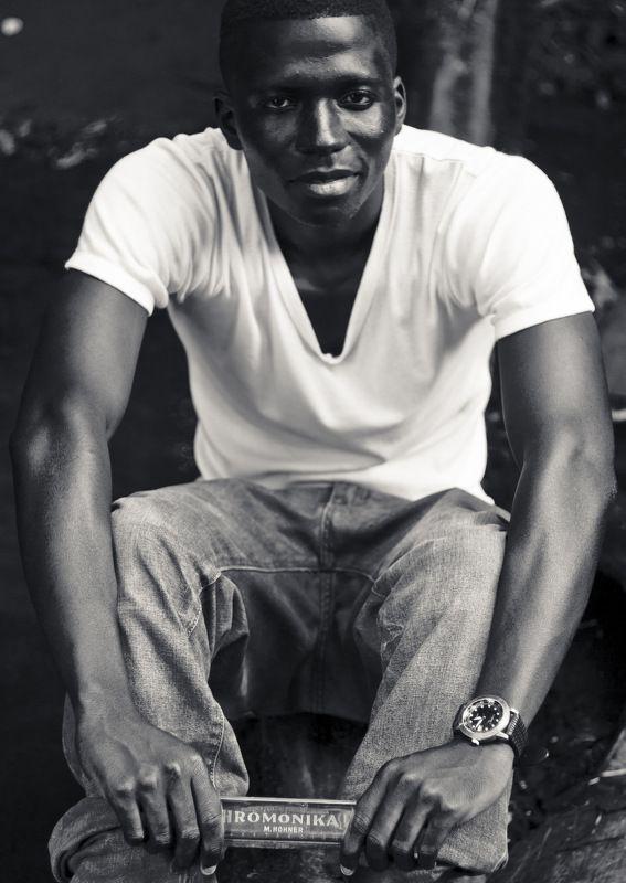 мужчина, чернокожий Мариоphoto preview