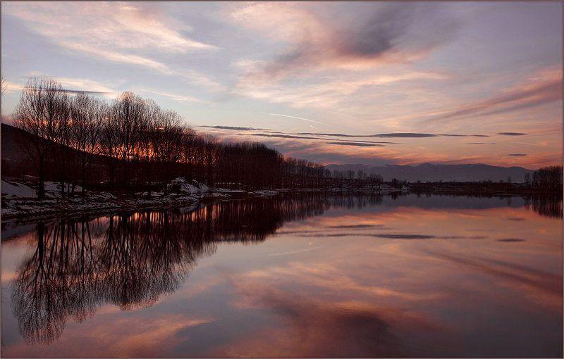 озеро правец, българия Эта ночь...photo preview