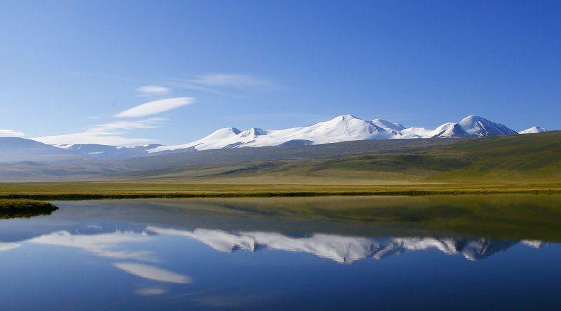 таван-богдо-ула, укок, путешествие, лето, горы, алтай, сибирь, красота, природа, снежник, высота, солнце, небо, снег Таван-Богдо-Улаphoto preview