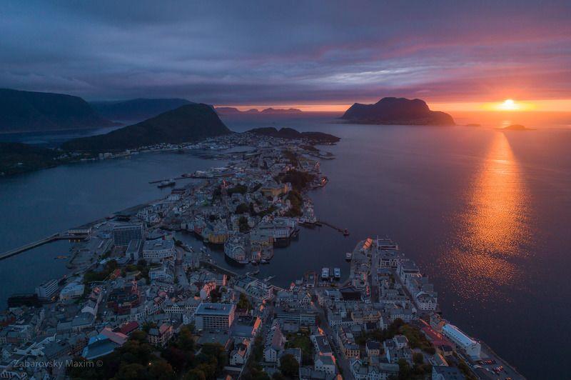 Норвегия, Олесунн, закат Олесуннphoto preview