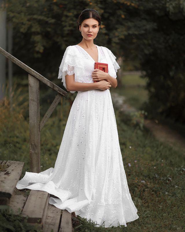 портрет арт art девушка красота модель книга тергенев роман Allaphoto preview