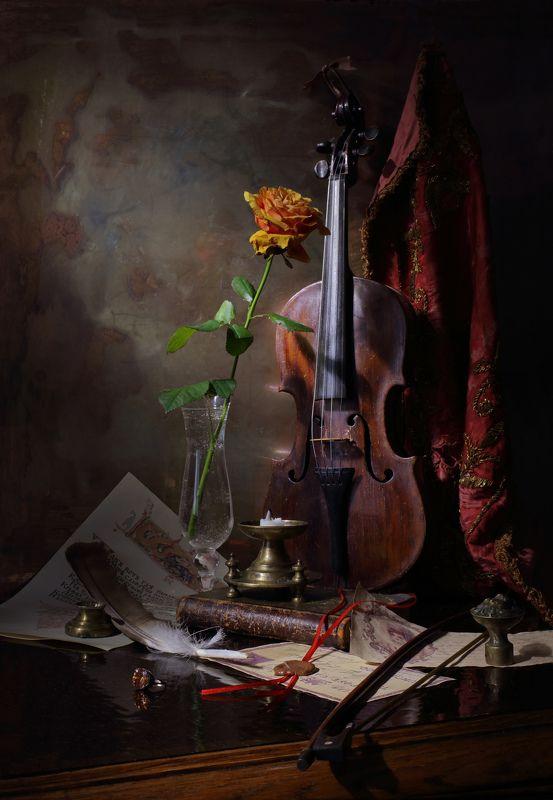 скрипка, музыка, свет, цветок, роза, натюрморт Натюрморт со скрипкой и розойphoto preview